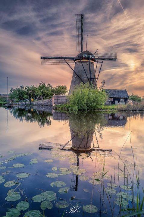 Holland Chemtrail Sky.jpg